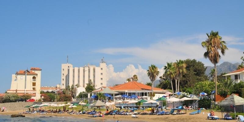 LA Hotel Beach (2).jpg