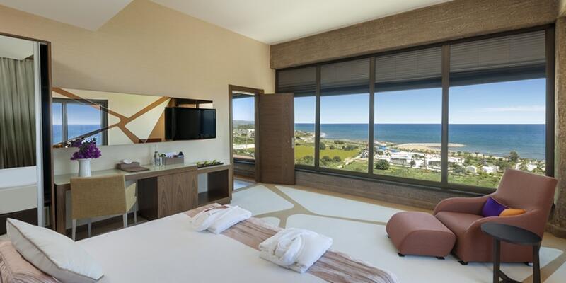 Suite Room _2-min.jpg