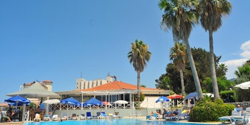 LA Beachside Infinity pool.jpg