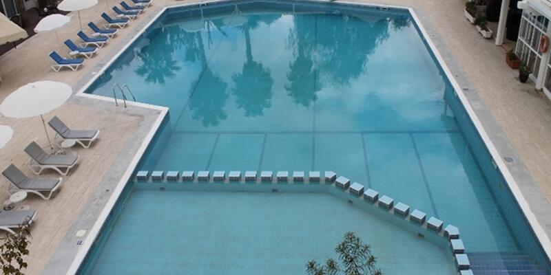 LA_main_pool 004.jpg