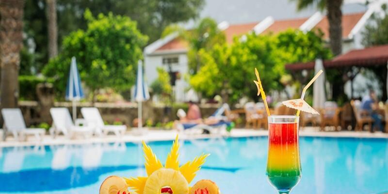 Freshments around the pool.jpg