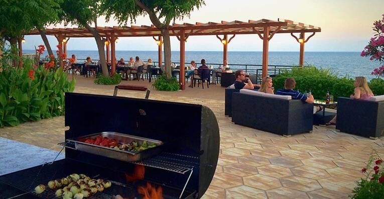 6 Restaurant 3.jpg